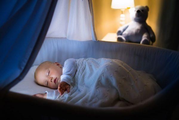pojawienie się kolki wieczorem u niemowlaka